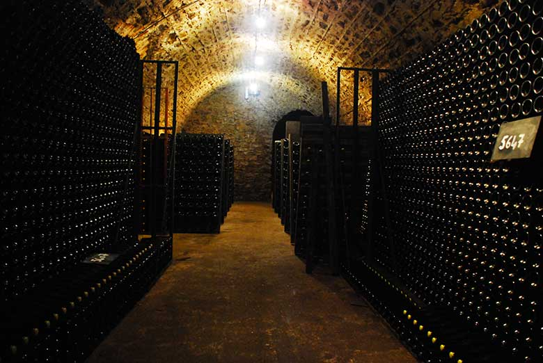 Champagne-Agrapart-cave